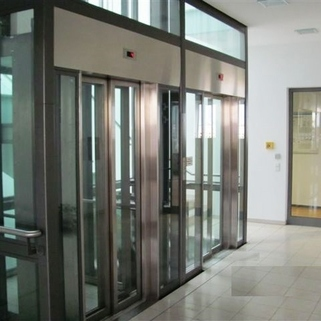 Aufzug Großzügig Arbeiten im Leopoldcenter