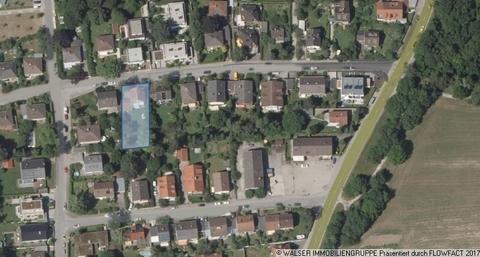 Lage WALSER: Traumhaft sonniges Grundstück mit Altbestand in idyllischer Nachbarschaft