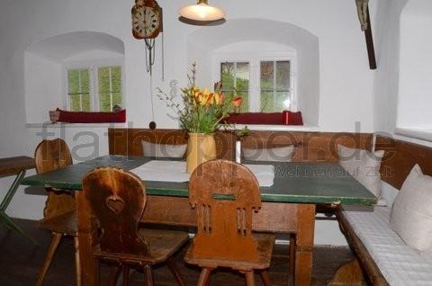 Bild 4 FLATHOPPER.de - TOP! Historisches Bauernhaus in Nussdorf - nahe Rosenheim