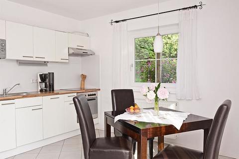 Bild 2 FLATHOPPER.de - Idyllisch gelegene 2-Zimmer Wohnung mit Terrasse und Garten sowie Parkplatz in Bad