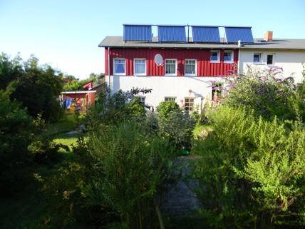 Aussenansicht mit Garten 4 Ostsee-Ferienwohnungen als Anlageobjekt oder Eigennutzung in Wittenbeck/Kühlungsborn.