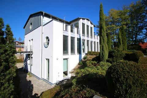 Bild 4 Moderne, lichtdurchflutete Villa mit Pool