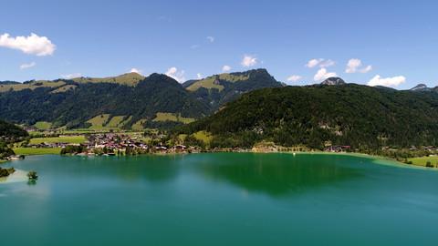 Bild 1 FERIEN(T)RÄUME AM SEE: Schmuck möblierte Wohnung in Walchsee / Tirol