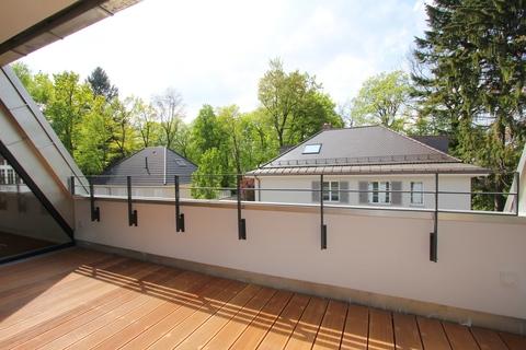 Blick vom Balkon Attraktive und stylische Dachgeschosswohnung mit Südwestbalkon München-Harlaching