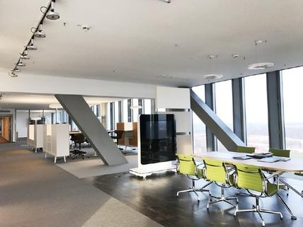 IMG_1249 STOCK Provisionsfrei - Moderner Glaspalast