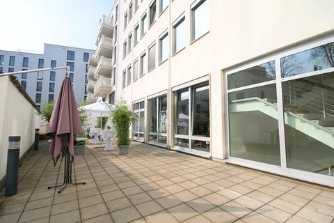 Terrasse STOCK - Loftbüro-/Showroomfläche mit Terrasse