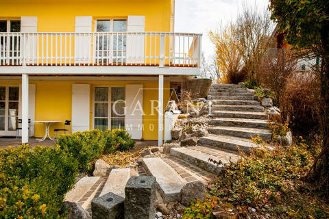 Haus-vorne-tarasse-treppe-garten-h *** Traumhaftes Einfamilienhaus sucht Kapitalanleger! ***