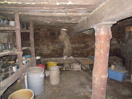 Keller Ein Haus, das Geschichte erzählen kann