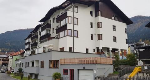 Außenansicht Großzügige 4 Zimmerwohnung mit Panoramablick