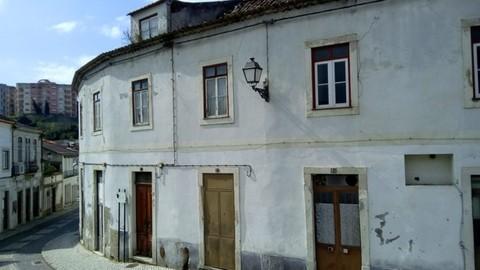 PPT0269_mvc-001f.jpg Baufälliges altes Gebäude. Gute Geschäftsgelegenheit!