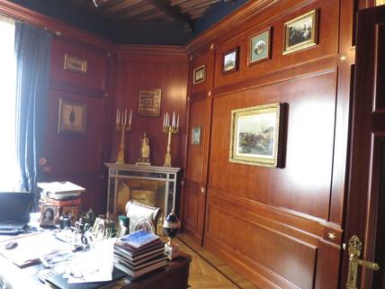 edle Wandvertäfelungen Bestlage ROM: exklusive Altbauwohnung im herrschaftlichen Stil Nähe Villa Borghese zu verkaufen