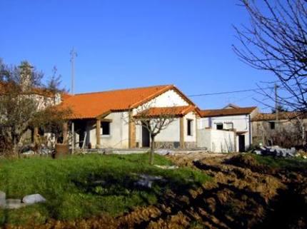 BM0102_mvc-001f.jpg Dorfhaus mit grosser Wiese (inkl.sep. Baugrundstück)