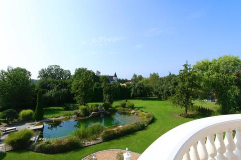 Blick in den Garten Herrschaftliches Villenanwesen mit Parkanlage