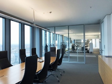 IMG_1255 STOCK Provisionsfrei - Moderner Glaspalast