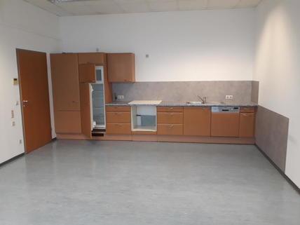 Küche Ein ganzes Stockwerk für Ihr business: provisionsnfreie Büroflächen im 3. OG BIZ