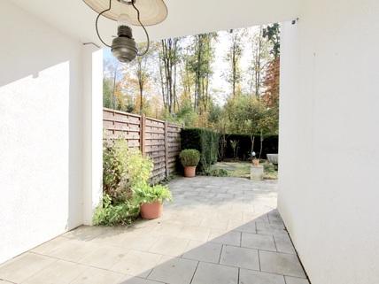 Freisitz Familienfreundliches, großzügiges Reihenmittelhaus in schöner, ruhiger Lage Ottobrunn/Riemerling