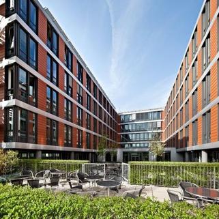 Ansicht auf  die Terrasse STOCK - Modernes Penthouse mit Dachterrasse