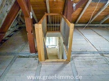 Treppe zum DG Verkauft - Hier verwirklichen Sie Ihre Wohnträume