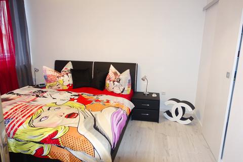 Schlafzimmer Voll möblierte Zweizimmerwohnung - Erstbezug nach Komplettsanierung