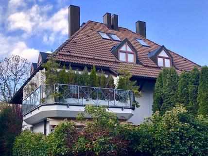 Außenansicht Reserviert: Familienglück - Modernes Quattrohaus mit schön angelegtem Garten in bester, ruhiger Lage Harlaching
