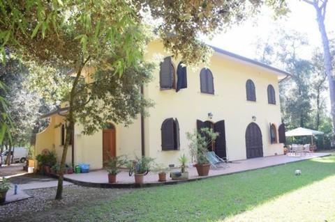 N60550018_mvc-001f.jpg Villa Versiliana