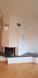 moderner Kamin im Wohnzimmer Großzügige 4 Zimmerwohnung mit Panoramablick