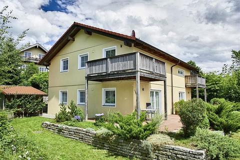 Bild 10 FLATHOPPER.de - 2-Zimmer Wohnung im Studiocharakter mit Balkon in Bad Endorf - Landkreis Rosenheim
