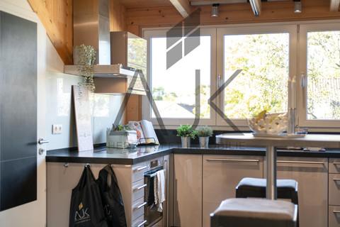 Marquardt Küche großzügiges MansardenUNIKAT mit 2 Schlafzimmern auf ca. 92 qm im grünen Untermenzing