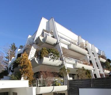 Ansicht Straßenseite Für Terrassenliebhaber, schöne 2-Zimmer-Wohnung mit 2 großzügigenTerrassen, Bestlage Menterschwaige