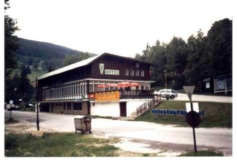 N1430204_mvc-001f.jpg Schönes Waldhotel im Nationalpark Riesengebirgen