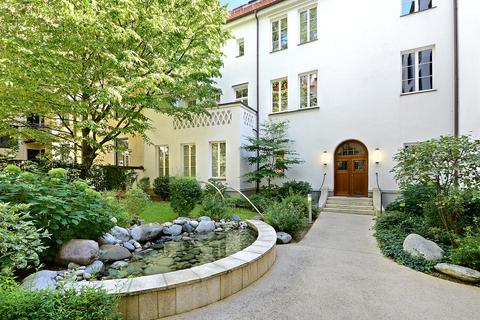 Innenhof Herrschaftliche Maisonette-Wohnung mit Garten