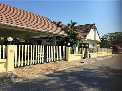 PT0028_mvc-001f.jpg Einzigartiges Haus mit separatem Gästebungalow in Hua Hin