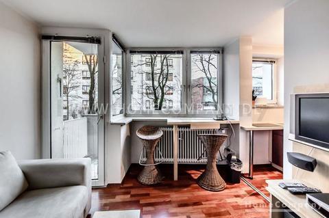 Wohnbereich Möbliertes Appartment im Münchner-Westend mit wöchentlichem Wäschewechsel