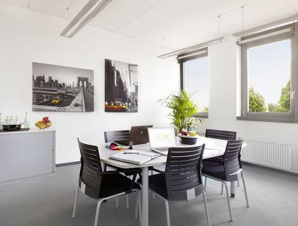 Besprechungsraum Repräsentative Immobilie und voll ausgestattete Büros mit Service