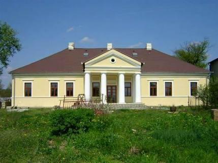 N1430433_mvc-001f.jpg Top: Renoviertes Kastell in Südslowakei , billig