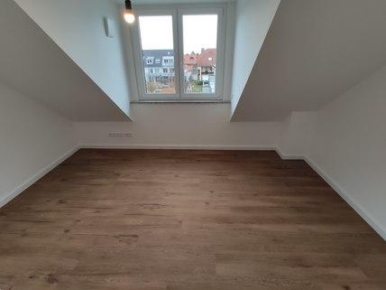 Bild 11 Erstbezug: Dachterrassenwohnung mit Galerie und exkl. Marken-Einbauküche!