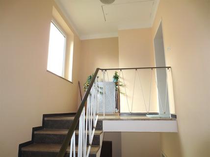 Treppenhaus **Rarität in Waldtrudering**Stilvolle 4-Zi-Etagen-Whg. mit S/O-Balkon+West-Garten im 2-Familienhaus**