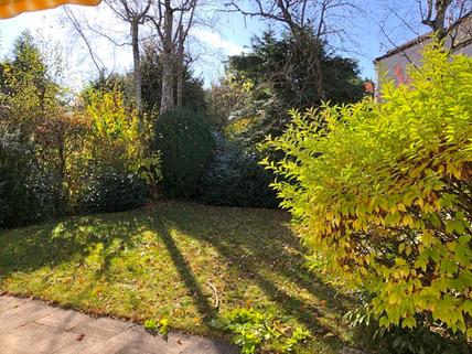 Garten Charmante Doppelhaushälfte in schöner, ruhiger Lage von Solln