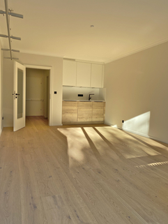 Wohn-/Schlafbereich Erstbezug nach Sanierung 1-Zimmer-Wohnung Bestlage Menterschwaige