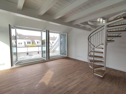 Bild 1 Erstbezug: Dachterrassenwohnung mit Galerie und exkl. Marken-Einbauküche!