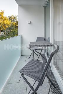 Balkon Erstbezug! Modern und exklusiv möbliertes 1-Zimmer-Apartment mit Balkon in Harlaching