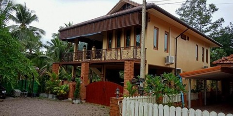PT0027_mvc-001f.jpg Doppelstoeckiges Haus, 300 m vom Strand in Saphli bei Chumph