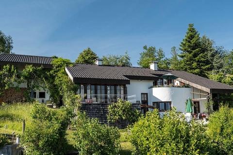Perfekt eingebettet in die Natur NATURSCHÖNHEIT!<br /> Traumhaus mit Bergblick<br /> - 20 Min. in die Stadt Salzburg!