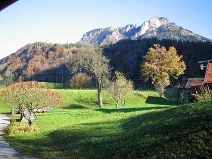 Bild 1 FLATHOPPER.de - TOP! Historisches Bauernhaus in Nussdorf - nahe Rosenheim