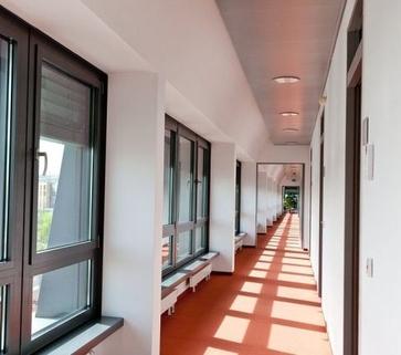 Fluransicht STOCK - Modernes Penthouse mit Dachterrasse