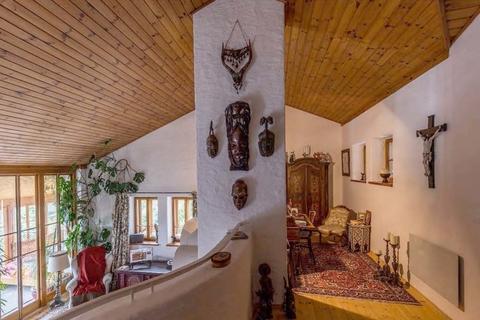 Offenes, helles und sehr interessantes Raumkonzept NATURSCHÖNHEIT!<br /> Traumhaus mit Bergblick<br /> - 20 Min. in die Stadt Salzburg!
