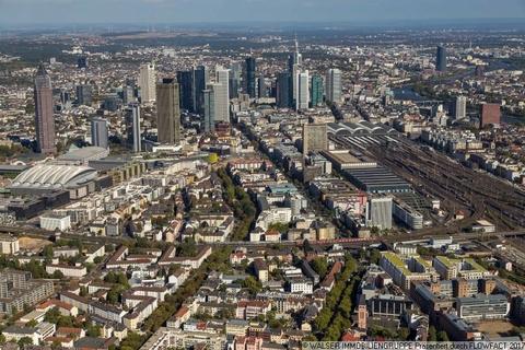 Luftbild Skyline Studiomuc Innovatives und lukratives Serviced-Apartment im Gallusviertel Frankfurt!
