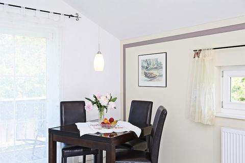 Bild 4 FLATHOPPER.de - 2-Zimmer Wohnung im Studiocharakter mit Balkon in Bad Endorf - Landkreis Rosenheim