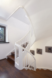 Treppenhaus Modernes Familiendomizil mit ca. 269 m² und Traumgarten