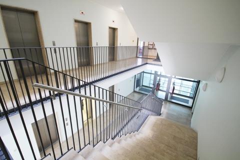 Treppenhaus STOCK - So idyllisch kann es im Büro sein!